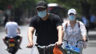 Baada ya miezi miwili ya utulifu kuhusiana na maambukizi ya virusi vya Corona, wakazi wa mji wa Beijing wapigwa marufu ya kutotembea.
