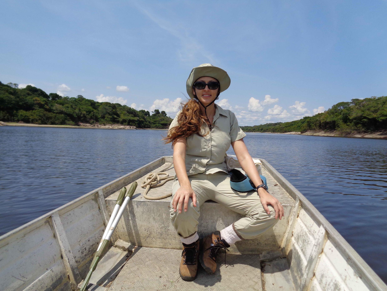 Fernanda Werneck trabalhando na zona de transição entre a Floresta Amazônica e o Cerrado.