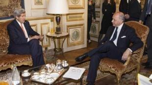 Le secrétaire d'Etat américain John Kerrry a rencontré son homologue français Laurent Fabius, ce samedi 7 mars, à Paris.