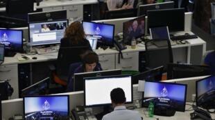 199 французских журналистов, принявших участие в исследовании, рассказали, что стали жертвами действий сексуального характера на работе. 188 из них — женщины.