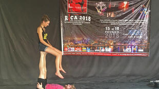 Séance d'entraînement pour les artistes du cirque d'Abidjan qui début ses représentations, le 1e février 2018.