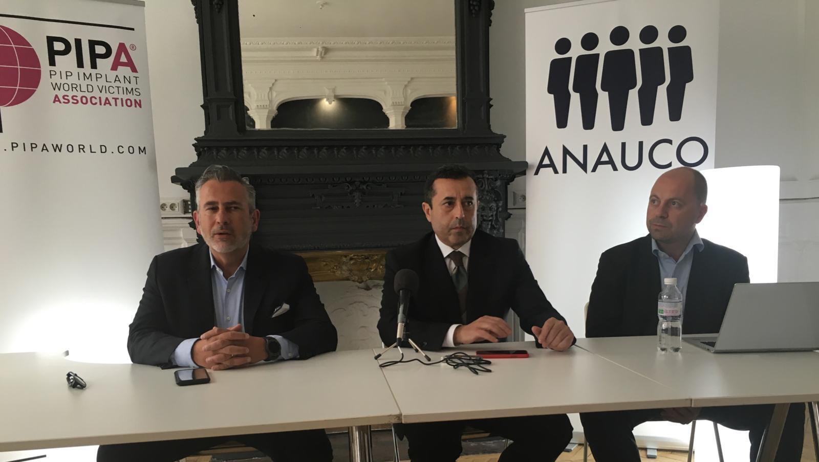 Conferencia de prensa de los representantes legales de las mujeres víctimas de los implantes PIP. París, 9 mayo de 2019.
