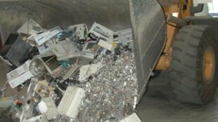 En Tunisie, les entreprises et les administrations commencent doucement à recycler les déchets électroniques et électroménagers.