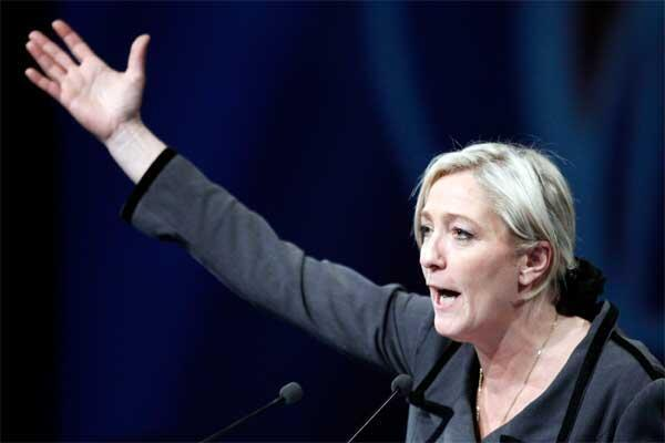 Marine Le Pen delivers a speech during the National Front annual congress in Tours on 16 January, 2011