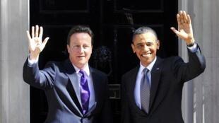 O presidente dos Estados Unidos, Barack Obama, ao lado do primeiro-ministro britânico, David Cameron, em Downing Street.