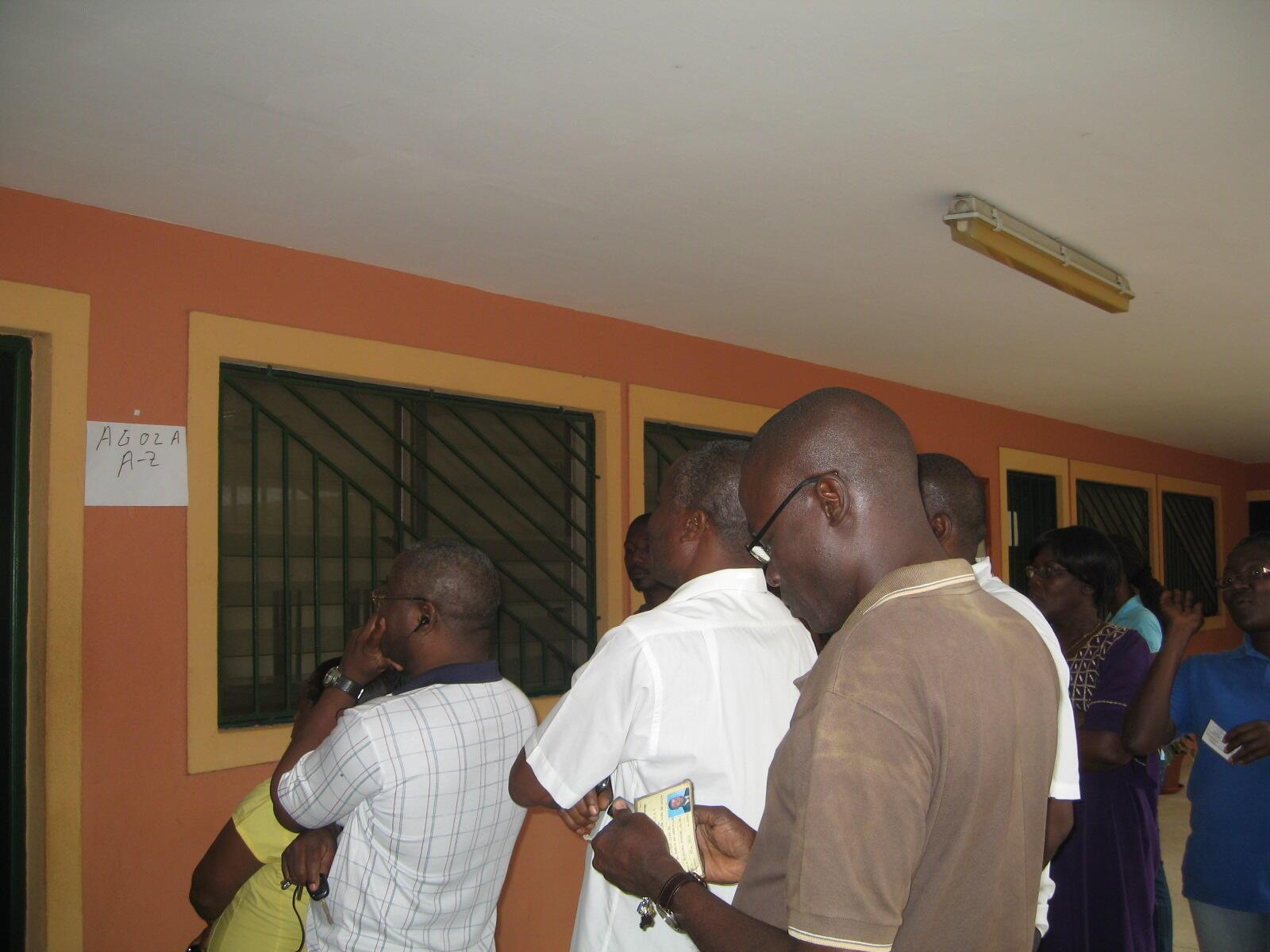 Eleitores santomenses nas eleições de 17 de julho de 2011 em São Tomé