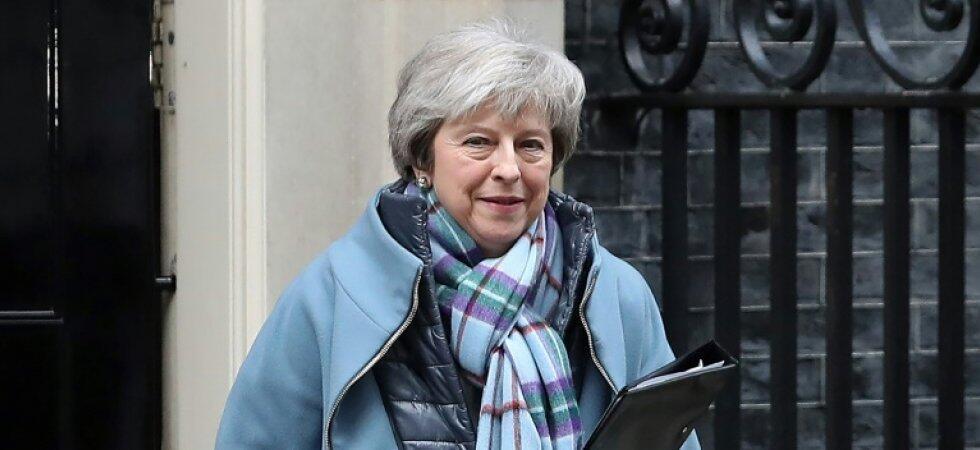 英國首相梅在脫歐協議上希望與歐洲展開新的談判;歐盟和法國總統馬克龍明確表示,不可重開談判     2019年1月29日