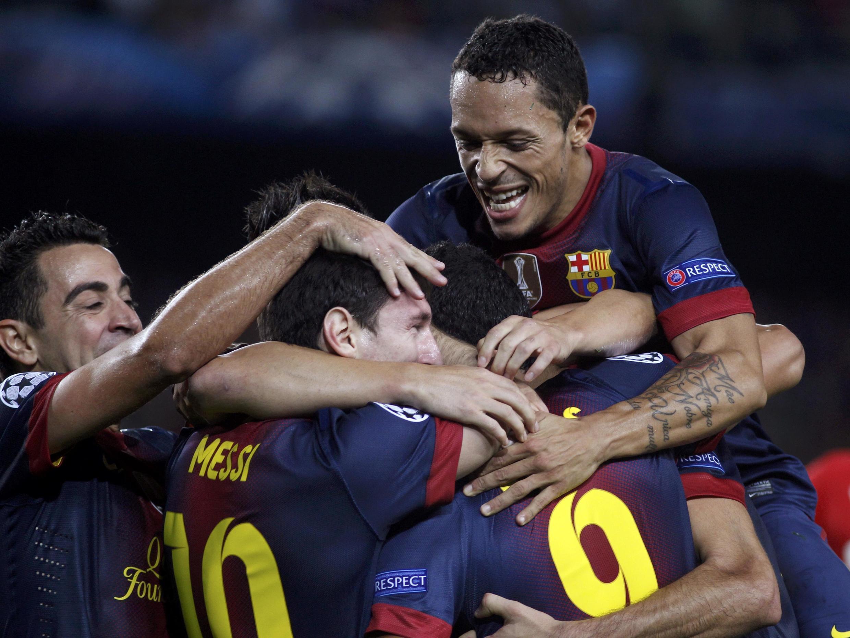 Jogadores do Barça comemoram gol da vitória contra o Spartak, na terça-feira 20 de novembro de 2012.