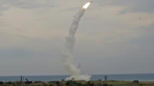 Missile d'origine Russe S300. Largement exporté, avec  les radars associés et les centre de contrôle,  ils constituent la «pierre d'angle» de la stratégie russe de déni d'accès. (Photo d'illustration)