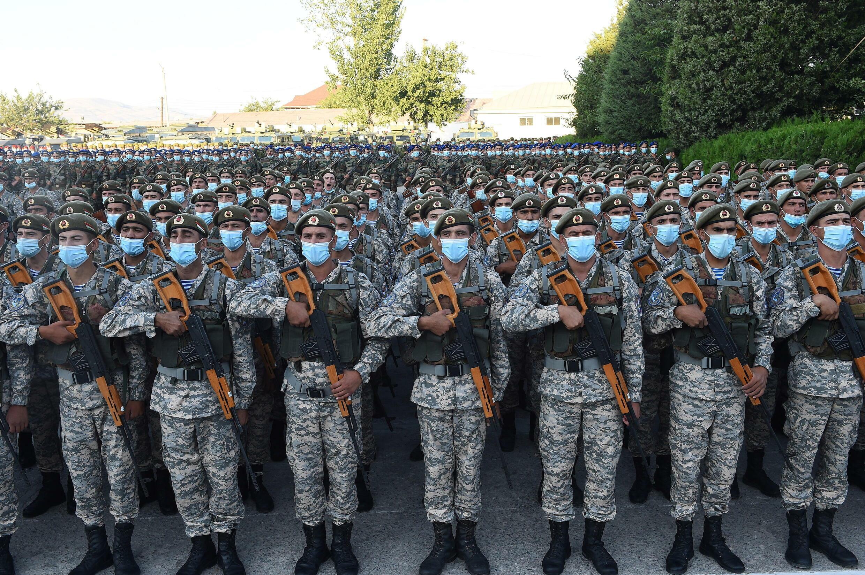 7月22日杜尚別集合的演習軍人