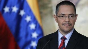O ministro da Comunicação, Ernesto Villegas, durante entrevista coletiva em Caracas.