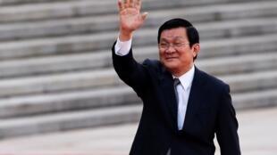 Ông Trương Tấn Sang kêu gọi xây dựng một quân đội vững mạnh để bảo vệ độc lập, chủ quyền lãnh thổ Việt Nam - Reuters