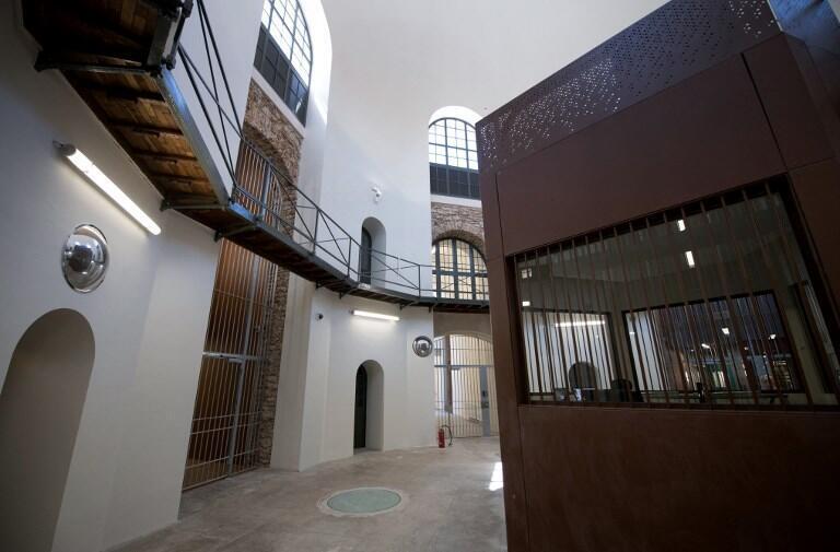 Vestíbulo de la Prisión de la Santé.