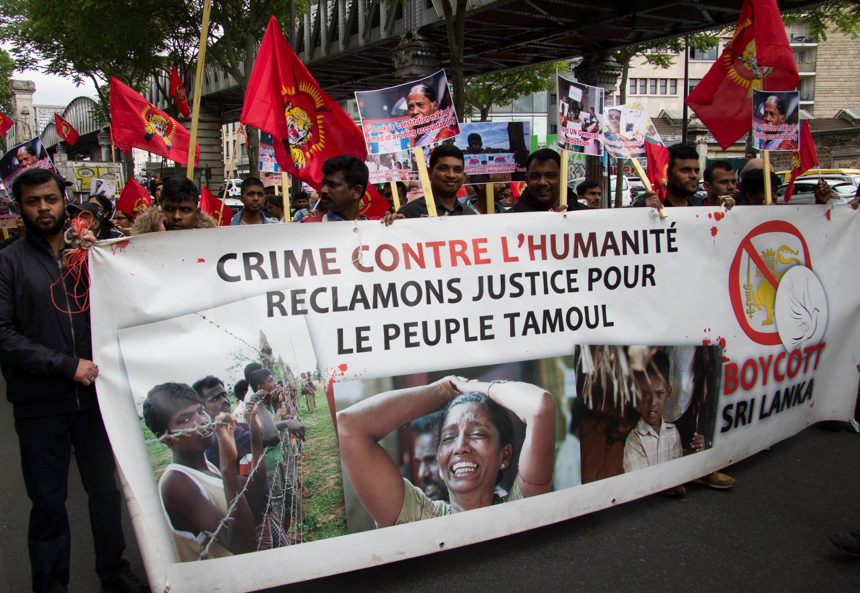 Près de 200 Tamouls ont défilé dans les rues de Paris le 18 mai 2017 en hommage aux victimes de la guerre civile au Sri Lanka.