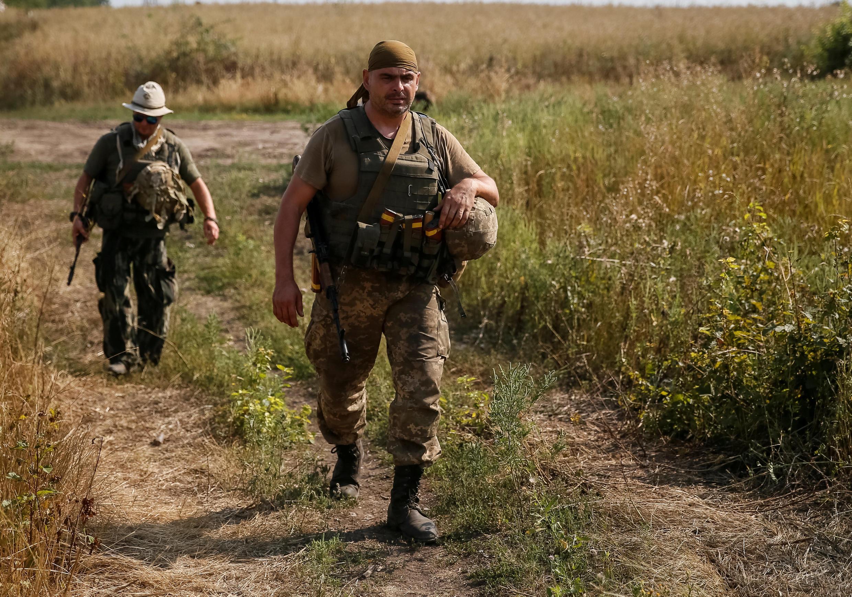 Lính Ukraina đóng ở Krasnogorivka gần Donetsk. Ảnh 12/08/2016.