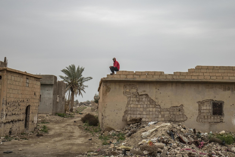 Un an après la chute de Baghouz en Syrie, un collectif de citoyen tente de reconstruire le village avec un défi sanitaire majeur alors que le monde doit faire face au coronavirus.