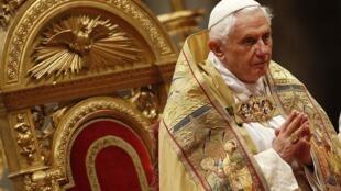 Đức Giáo Hoàng Benedicto trong một buổi lễ ngày 20/11/2010 tại Vatican