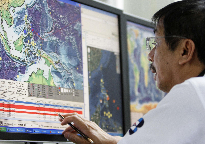 Sismólogo monitora região sul da Ásia. Terremoto ocorrido nesta sexta já matou mais de 50 pessoas na China