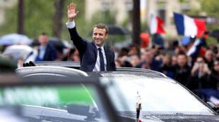 A posse do presidente Emmanuel Macron na avenida Champs Elysée