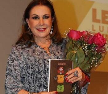 Presentación en México del libro de Laura Zapata