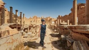 La basílica de Leptis Magna, en Libia, vista a través de un casco 3D.