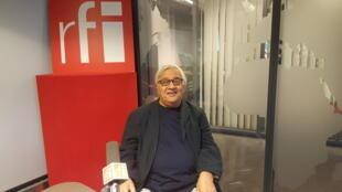 هوشنگ اسدی، روزنامه نگار و نویسندۀ ایرانی ساکن پاریس