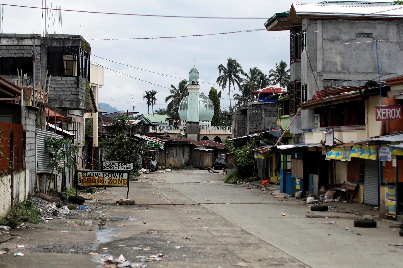 Một khu phố vắng vẻ trong thời gian hưu chiến ở thành phố Marawi, Philippines, ngày 25/06/2017.