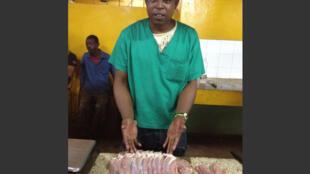 El precio de este pedazo de carne de cerdo en La Habana es de 480 pesos ,  unos 22 dólares; es decir, el equivalente de un mes de sueldo.