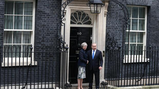 ملاقات بنیامین نتانیاهو، نخست وزیر اسرائیل با ترزا می، نخست وزیر انگلستان در لندن. ۱۸ بهمن/ ۶ فوریه ٢٠۱٧