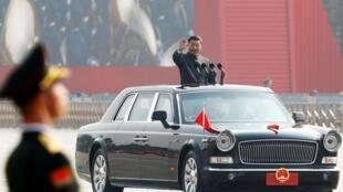 习近平在中国国庆七十周年的阅兵式上 2019年10月1日