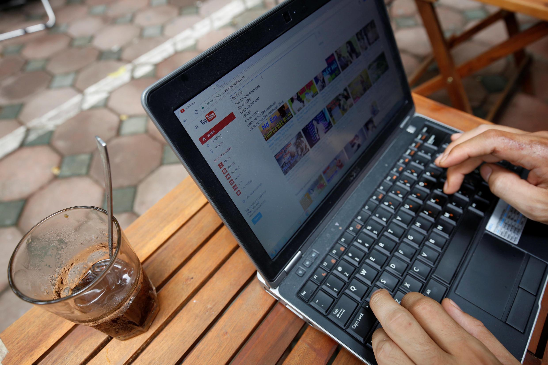 Nếu dự luật an ninh mạng được thông qua, những nội dung phản kháng trên mạng xã hội có thể bị xóa trong vòng một ngày.