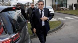 François Fillon, mgombea wa chama cha Republican katika uchaguzi wa urais, Februari 15, 2017 katika mji wa Compiègne.