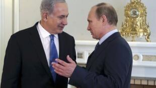 Владимир Путин и Биньямин Нетаньяху во время встречи в резиденции Бочаров Ручей под Сочи 14/05/2013