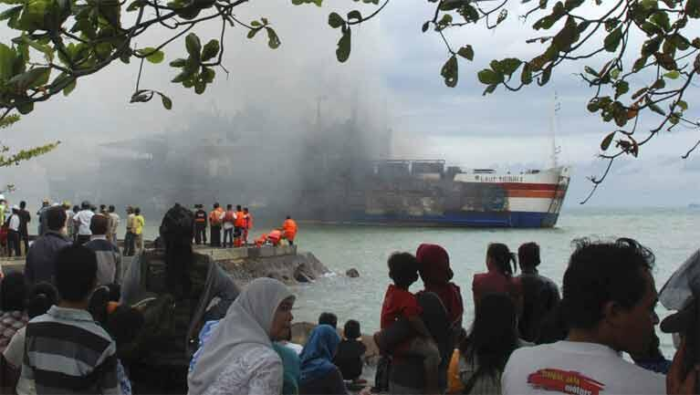 The Laut Teduh 2 is towed to Anyer beach in Banten province