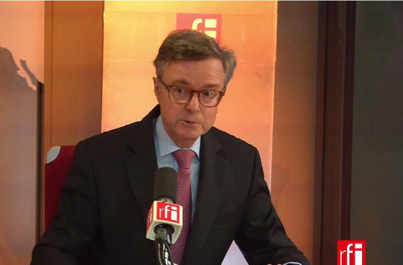 Фернандо Кардерера, посол Испании во Франции.