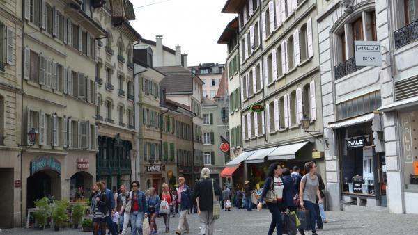 Lausanne merece, sem dúvida nenhuma, ficar no topo desse ranking porque é uma cidade que oferece inúmeras coisas, por exemplo, uma universidade incrível, um número enorme de museus, vários restaurantes, um centro de comércio pulsante