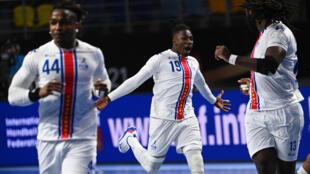 A selecção cabo-verdiana realizou apenas um jogo no Egipto, uma derrota frente à Hungria por 27-34.