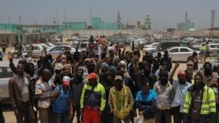 Les grévistes au port de l'Amitié, à Nouakchott le 14 mai 2019.