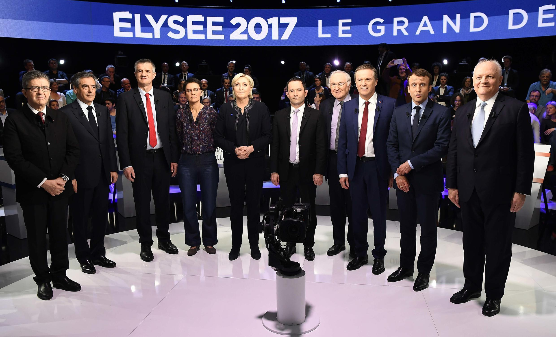 """Todos os candidatos excepto Philippe Poutou aceitaram ficar na """"foto de família"""" do debate de ontem."""