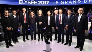 Tous les candidats présents au débat télévisé de ce mardi 4 avril, hormis Philippe Poutou qui n'a pas souhaité apparaître sur la photo.