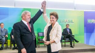 La présidente brésilienne Dilma Roussef a nommé son prédecesseur Lula ministre d'Etat.