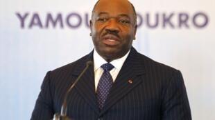 Le président gabonais Ali Bongo, le 26 novembre dernier à Yamoussoukro, en Côte d'Ivoire.
