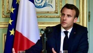 2020-04-15 france emmanuel macron elysees palace