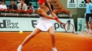 Maria João Koehler estreia-se no Roland Garros 2013 perante Alizé Cornet. 28/05/2013