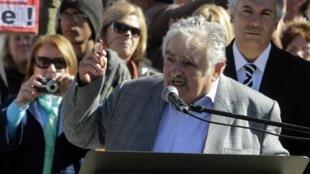 El Presidente Uruguayo, José Mujica celebró este 18 de mayo los 200 años de independencia de su país en Las Piedras