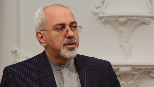 """محمد جواد ظریف: ارسال سلاح از سوی تهران برای گروه حماس در غزه، ادعائی """"دروغ"""" است."""
