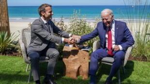 法國總統馬克龍與美國總統拜登資料圖片