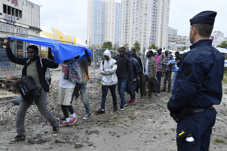 Plus de 2000 migrants ont été évacués d'un campement porte de la Chapelle à Paris, en 18 août 2017 (photo d'illustration).