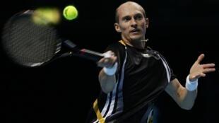 Finaliste l'an dernier, Nikolay Davydenko succède à Novak Djokovic.
