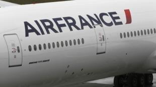 O corpo foi encontrado em um Boeing 777 da Air France, vindo do Brasil.